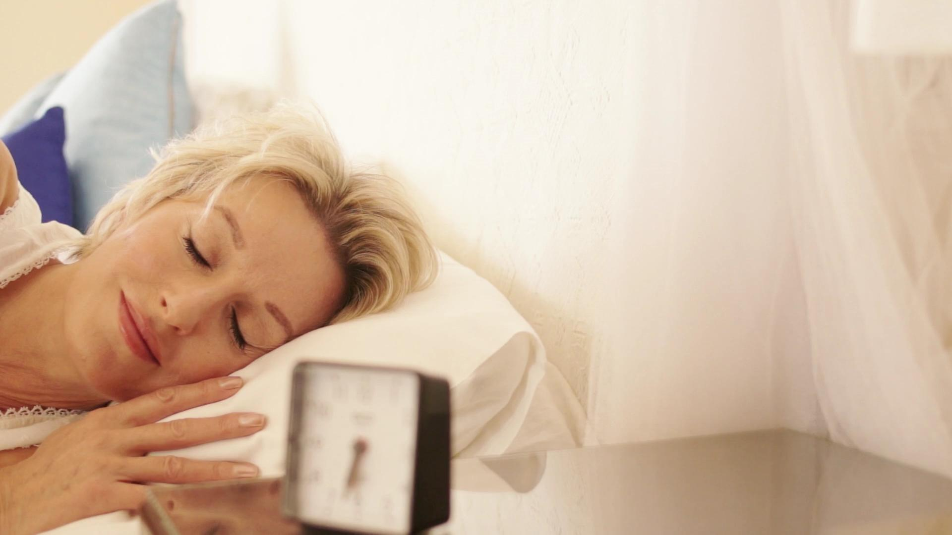 7 Foods That Help You Sleep