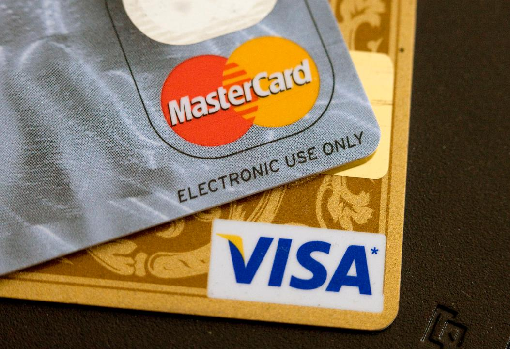 What's the Difference Between Visa and Mastercard?