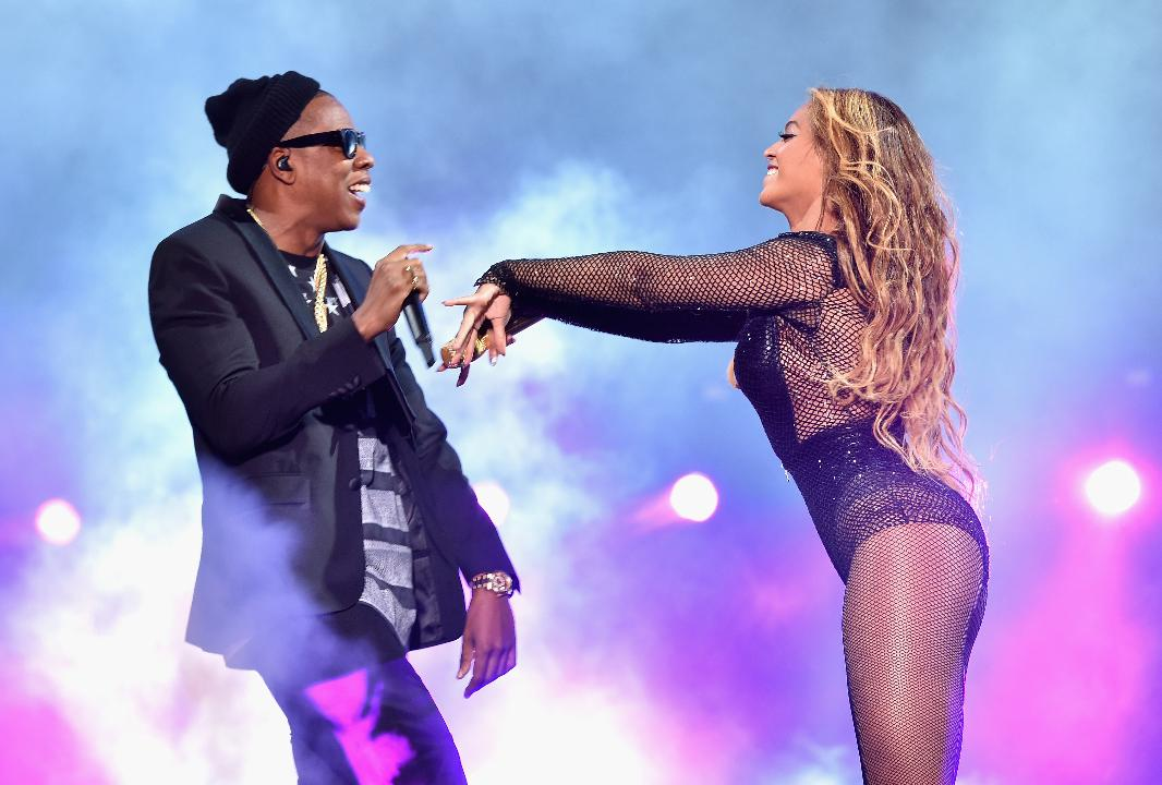 Beyoncé Sizzles as She Celebrates Her Curves in a Surprisingly Affordable Look for Date Night with JAY-Z