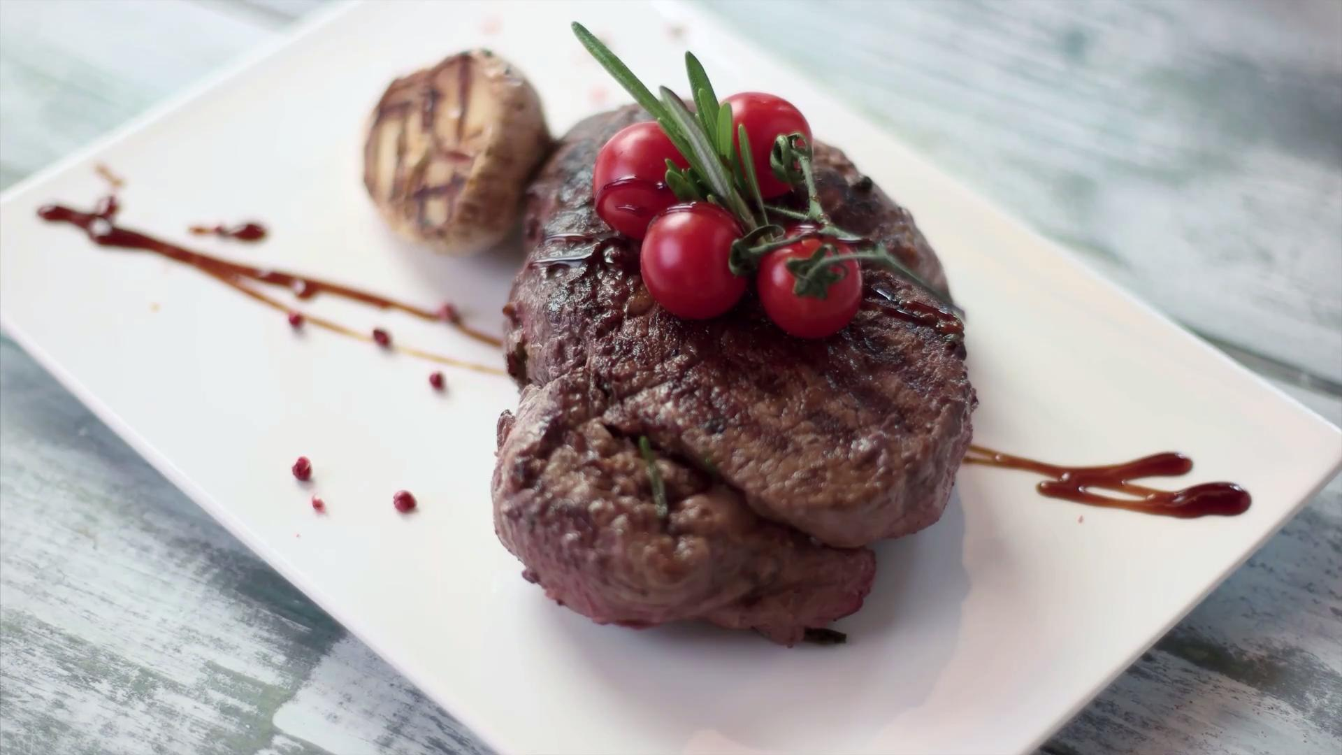 This Steakhouse Is the Best Restaurant Chain in America, According to TripAdvisor