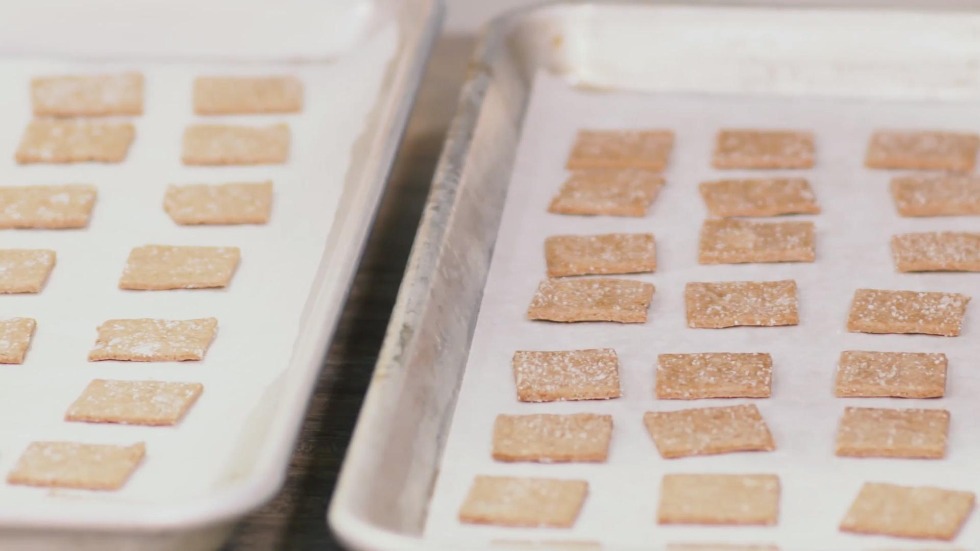 How to Make DIY Wheat Thins