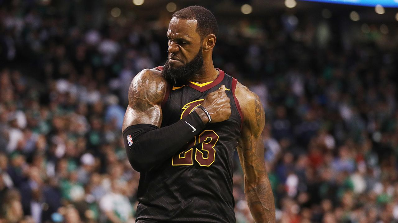 LeBron James Makes History in Best Game of Lakers Tenure