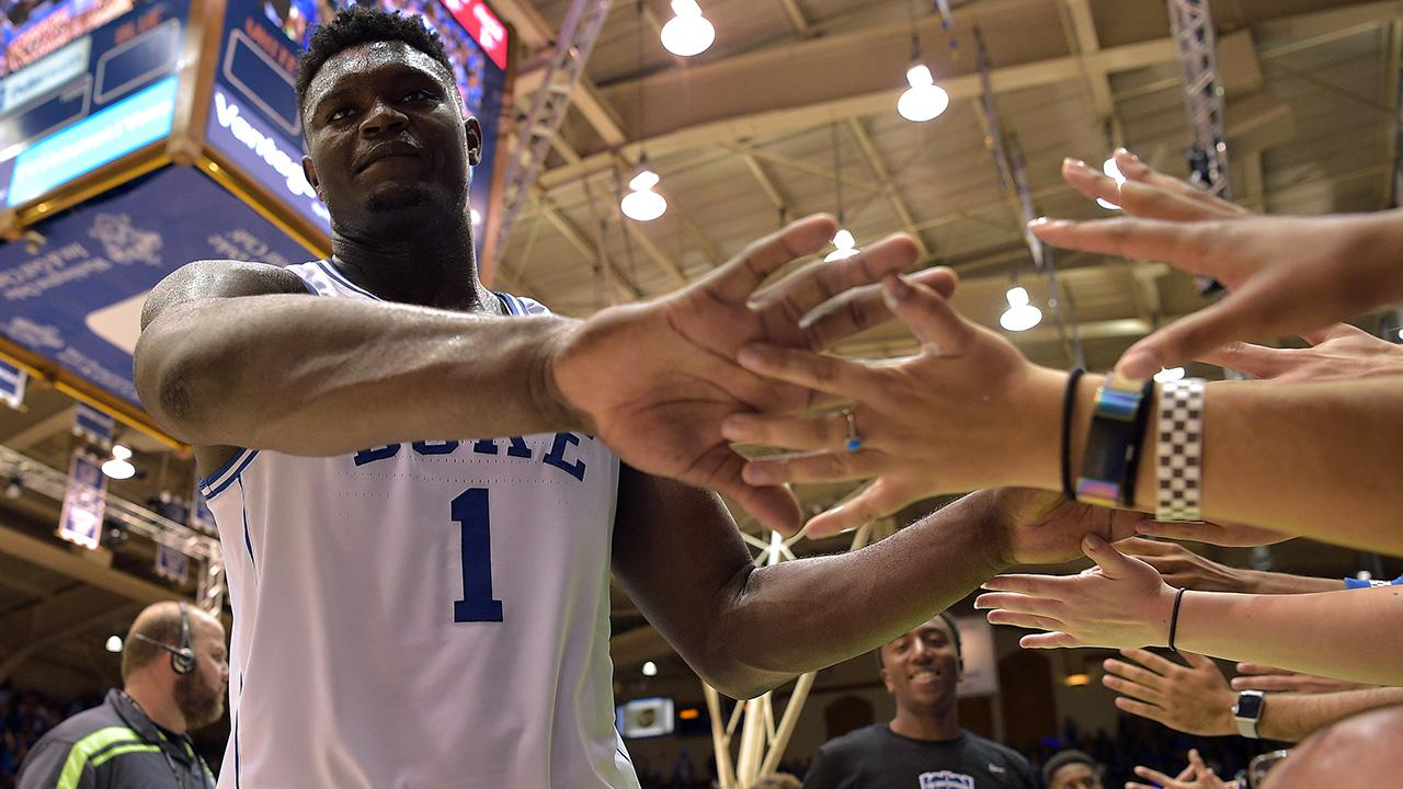 Watch: Kentucky Student Hits Half Court Shot on GameDay, Goes Crazy