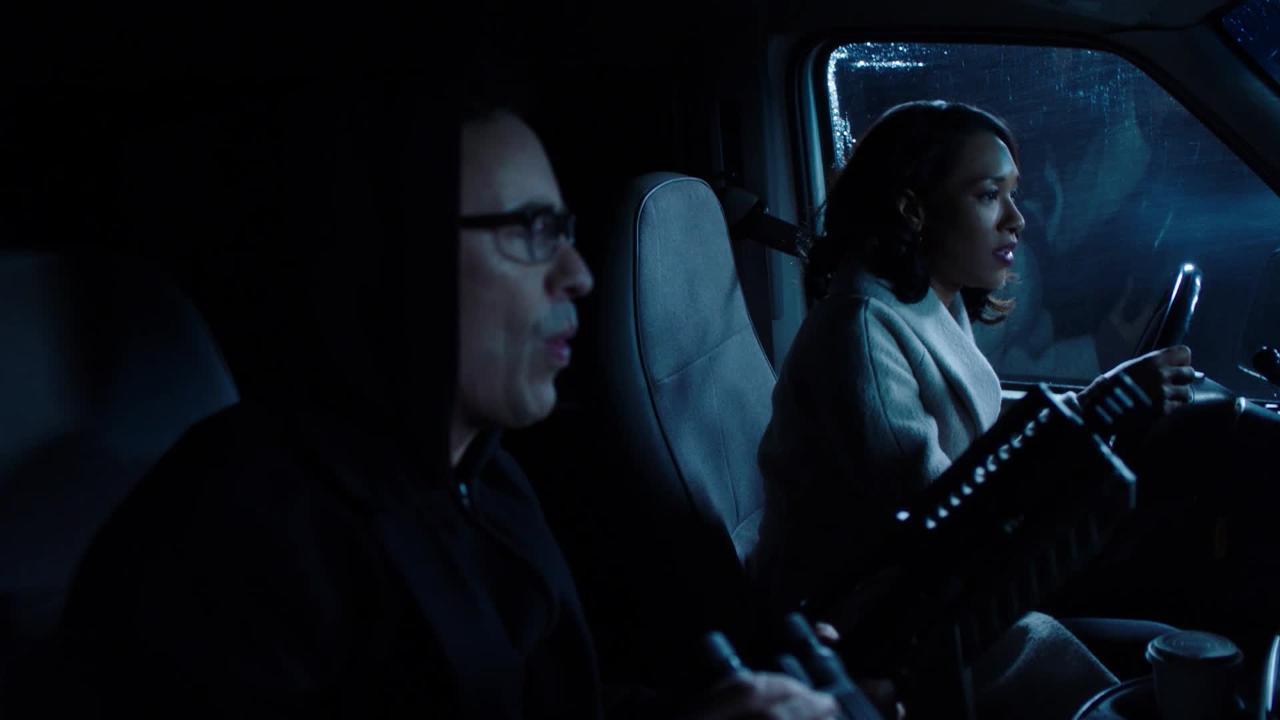 Tom Cavanagh almost goes full Gollum in The Flash season 4 gag reel clip