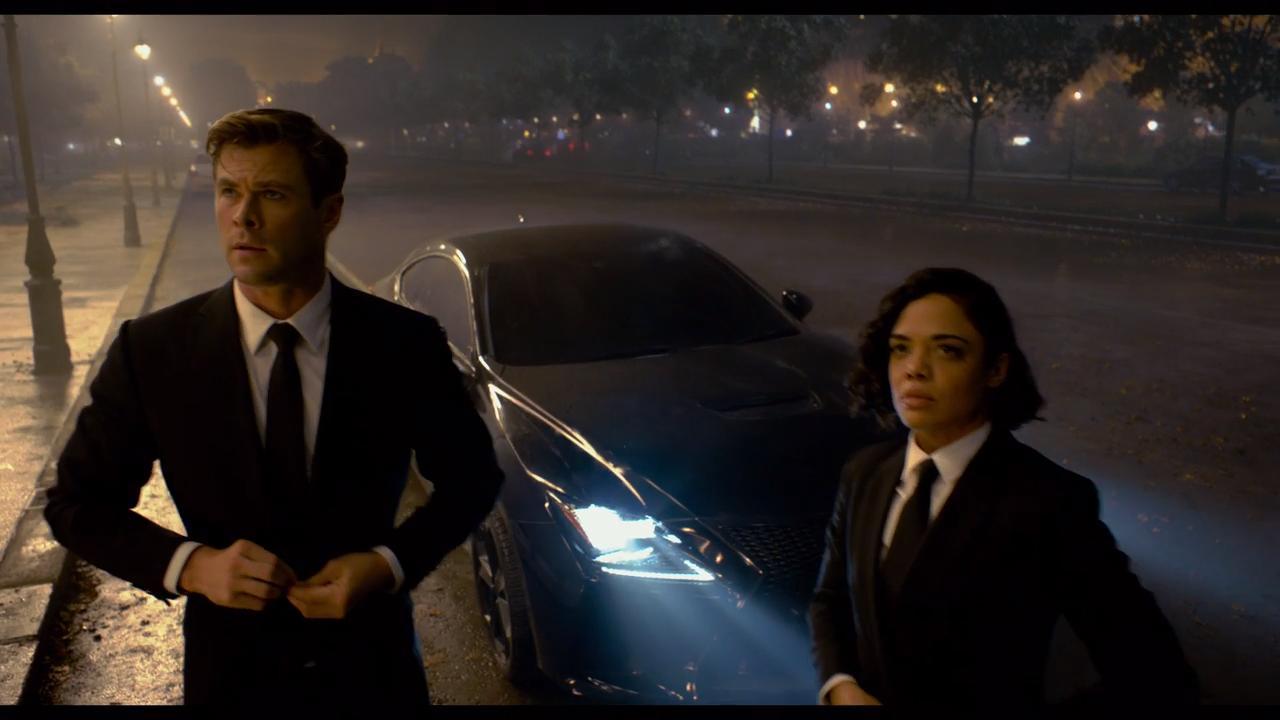 Chris Hemsworth and Tessa Thompson kick alien butt in first Men in Black International trailer