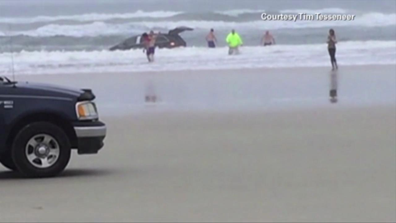 Family Rescued After Mother Drives Minivan Full of Kids into Ocean