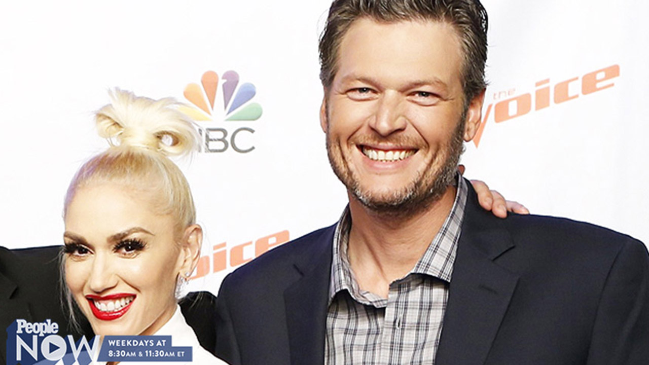 Blake Shelton and Gwen Stefani's Cute PDA During The Voice