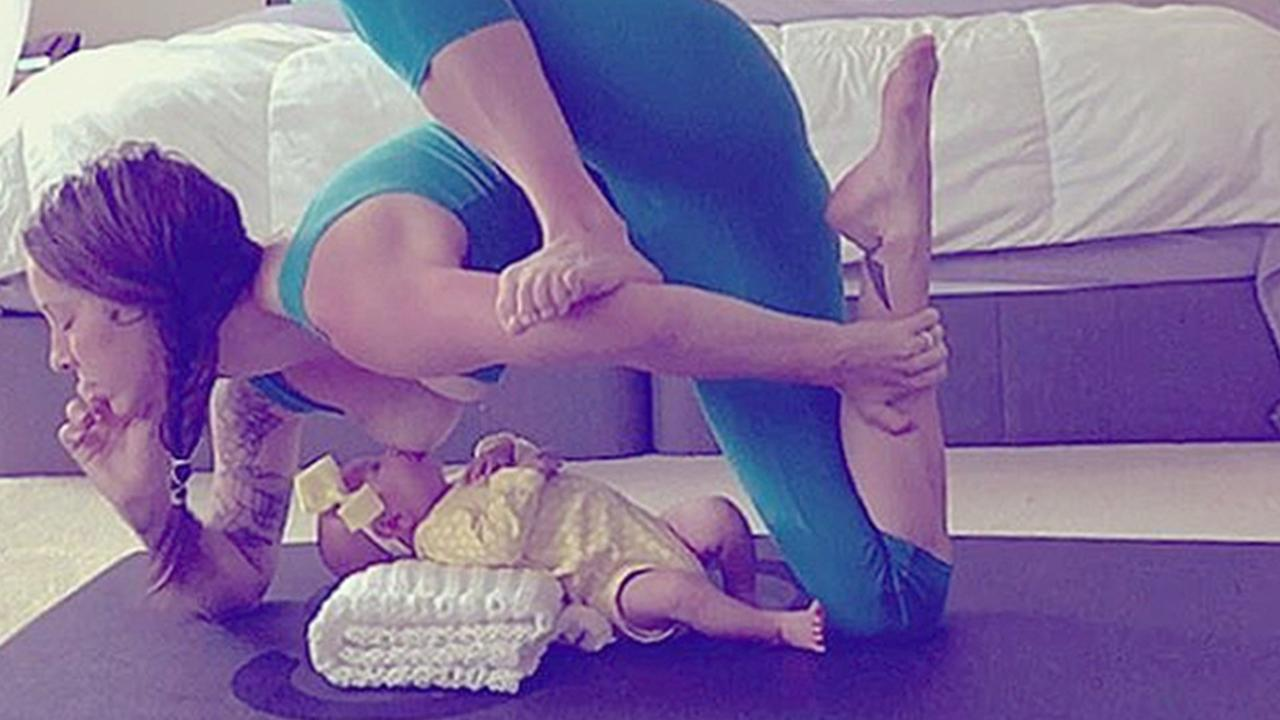 Mom Breastfeeds While Doing Yoga: 'You Do What Works for Your Baby'