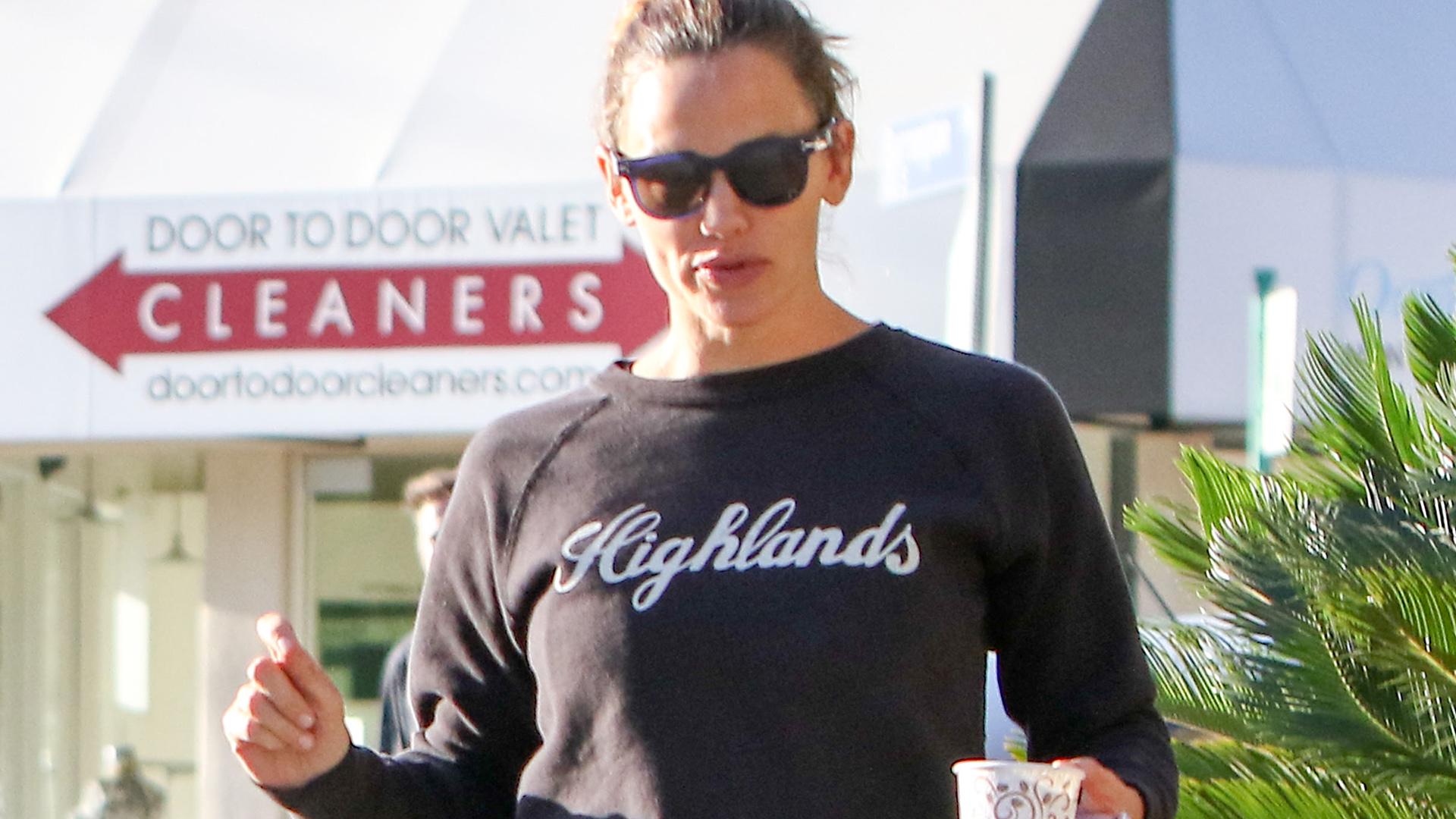 Jennifer Garner Jokes She Is Dating Brad Pitt: 'Isn't That Great?'