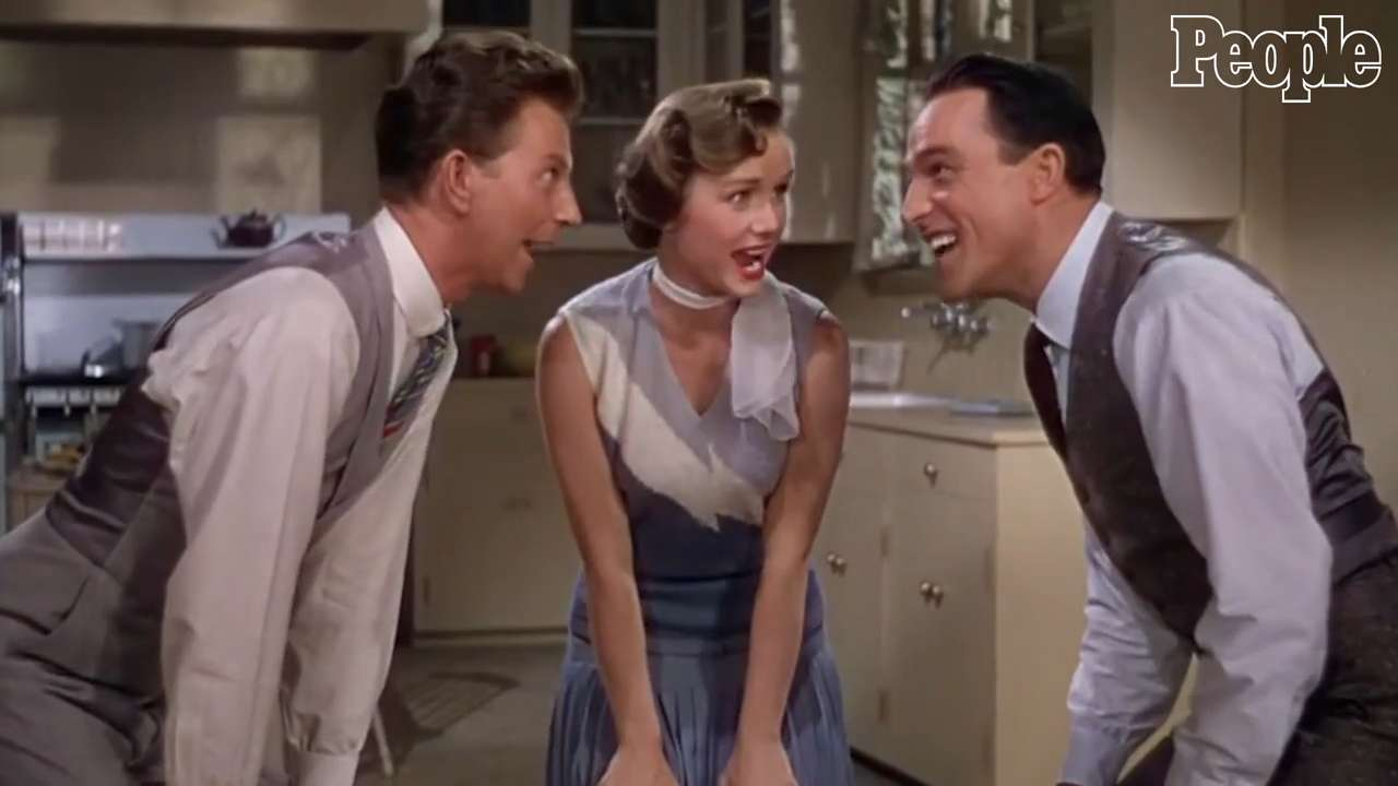 Debbie Reynolds: Her 11 Best Musical Moments on Screen and on Stage