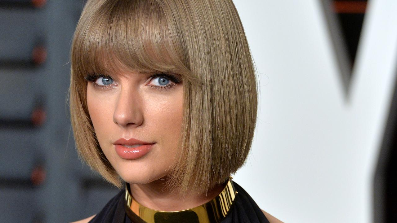 'Blank Space'! Taylor Swift's Social Media Accounts Are Wiped Clean, Leaving Fans Scratching Heads