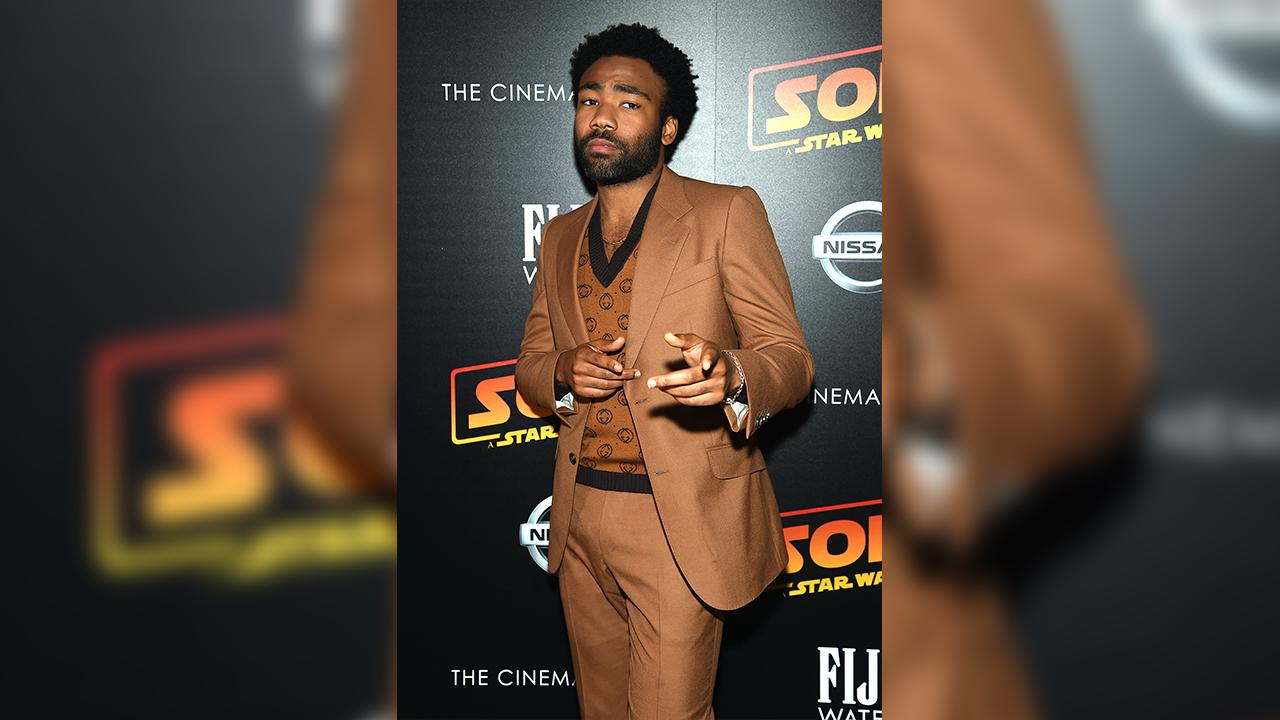 Simba Actor Donald Glover Wears Lion Onesie on Jimmy Kimmel Live! Before The Lion King Opens