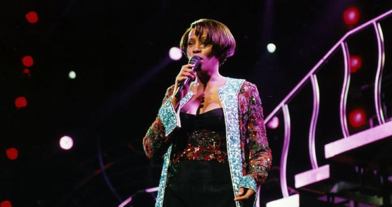 Dionne Warwick Reacts to Plans for Whitney Houston Hologram Tour: 'I Think It's Stupid'