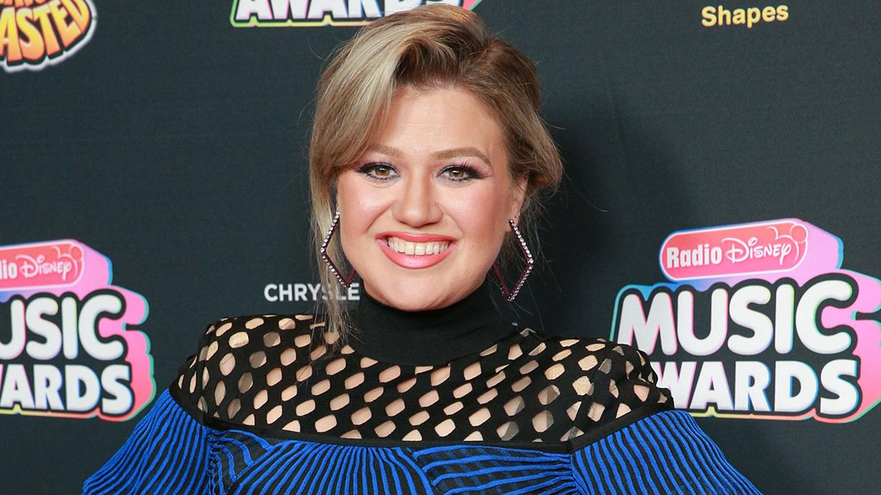 Kelly Clarkson Says Her Son Remington Has 'No Idea' She's Famous — and That's the Way She Likes It