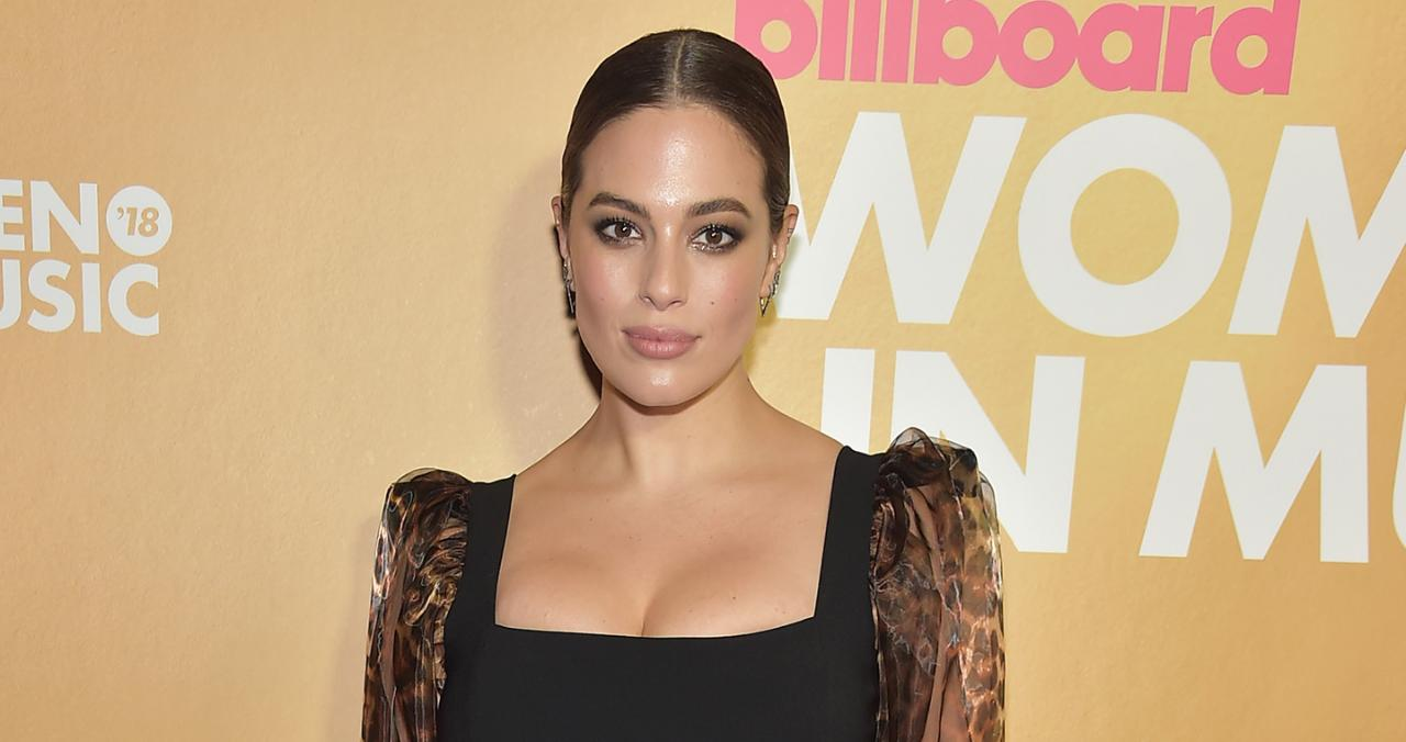 Ashley Graham & Sister Abigail Star in New Swimsuits for All Campaign: She's 'Always Been My Rock'