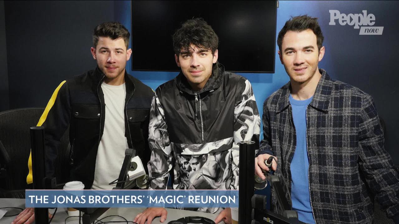 Jonas Brothers Share Adorable Video of Hailey Baldwin Introducing Them During 2009 SNL Performance