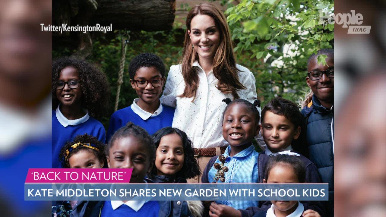 A Kiss for Granny! See Kate Middleton's Perfect Curtsy to Queen Elizabeth at Chelsea Garden Show
