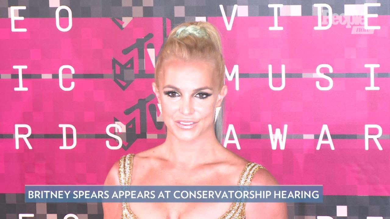 Britney Spears Dances with Sam Asghari and Gives Him a Kiss by the Pool: 'What a Fun Summer'