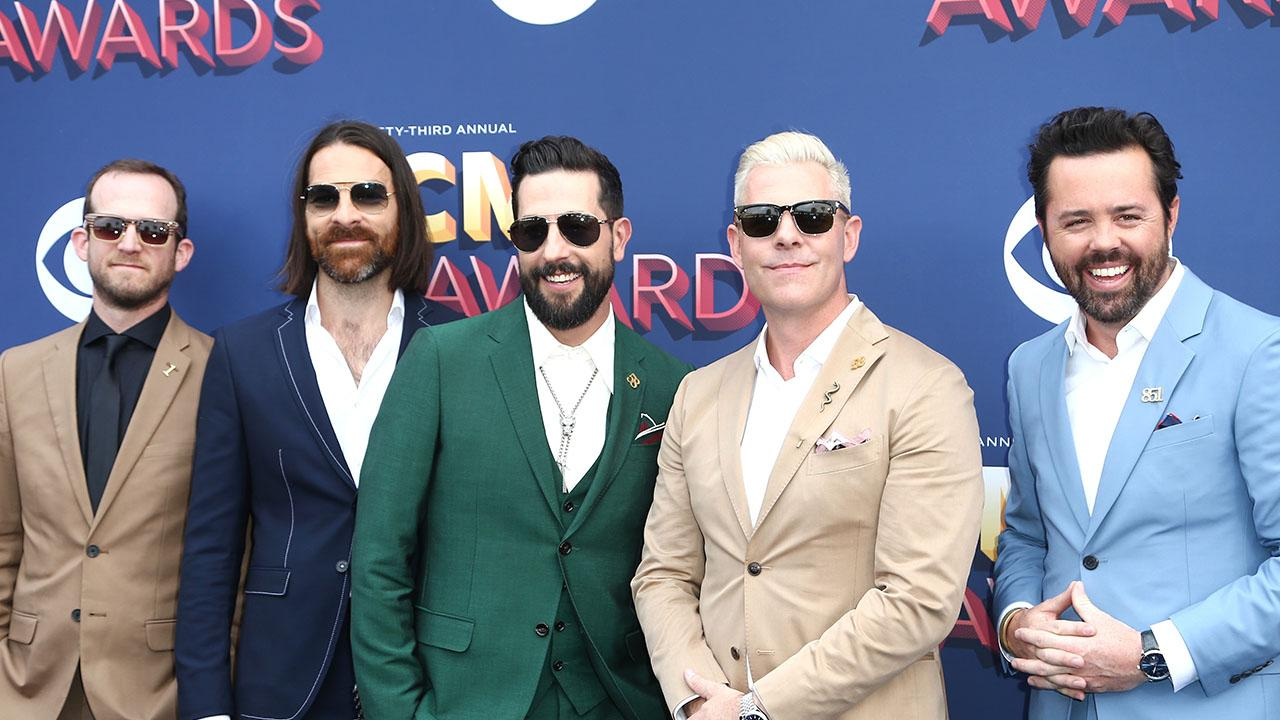 Old Dominion's Matthew Ramsey Shares New Single Some People Do Was Written as a Form of Therapy