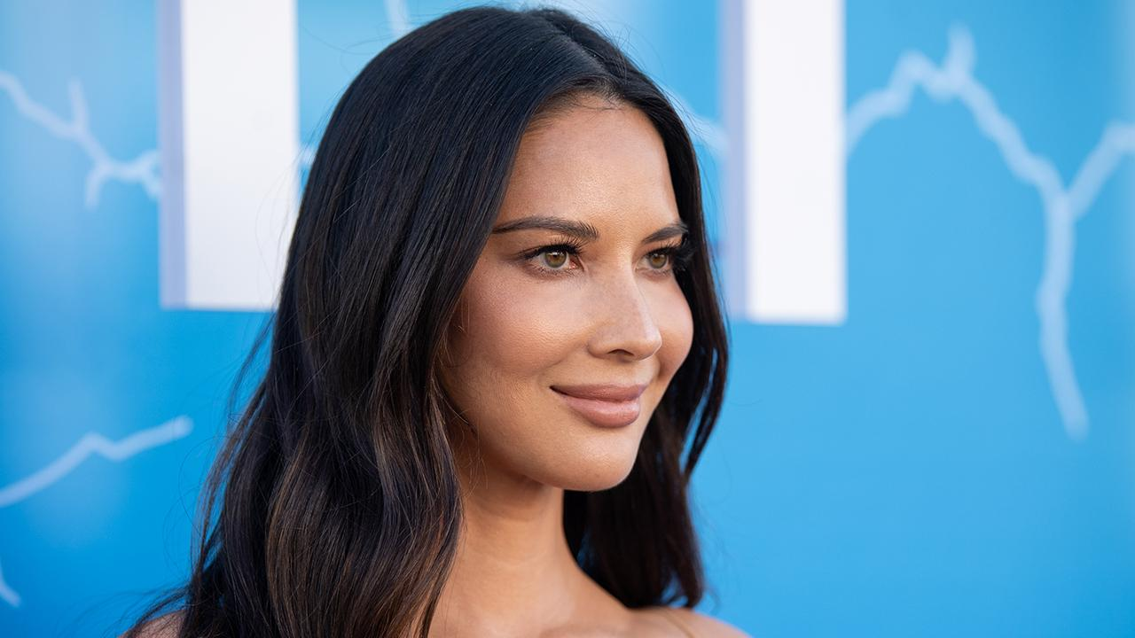Olivia Munn Was Surprised How 'Social' and 'Friendly' Everyone Is In London