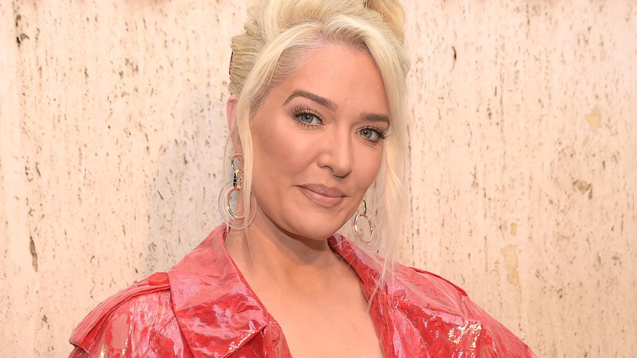 Erika Girardi Nonchalantly Bends Over Naked During Meeting: 'Business Casual'