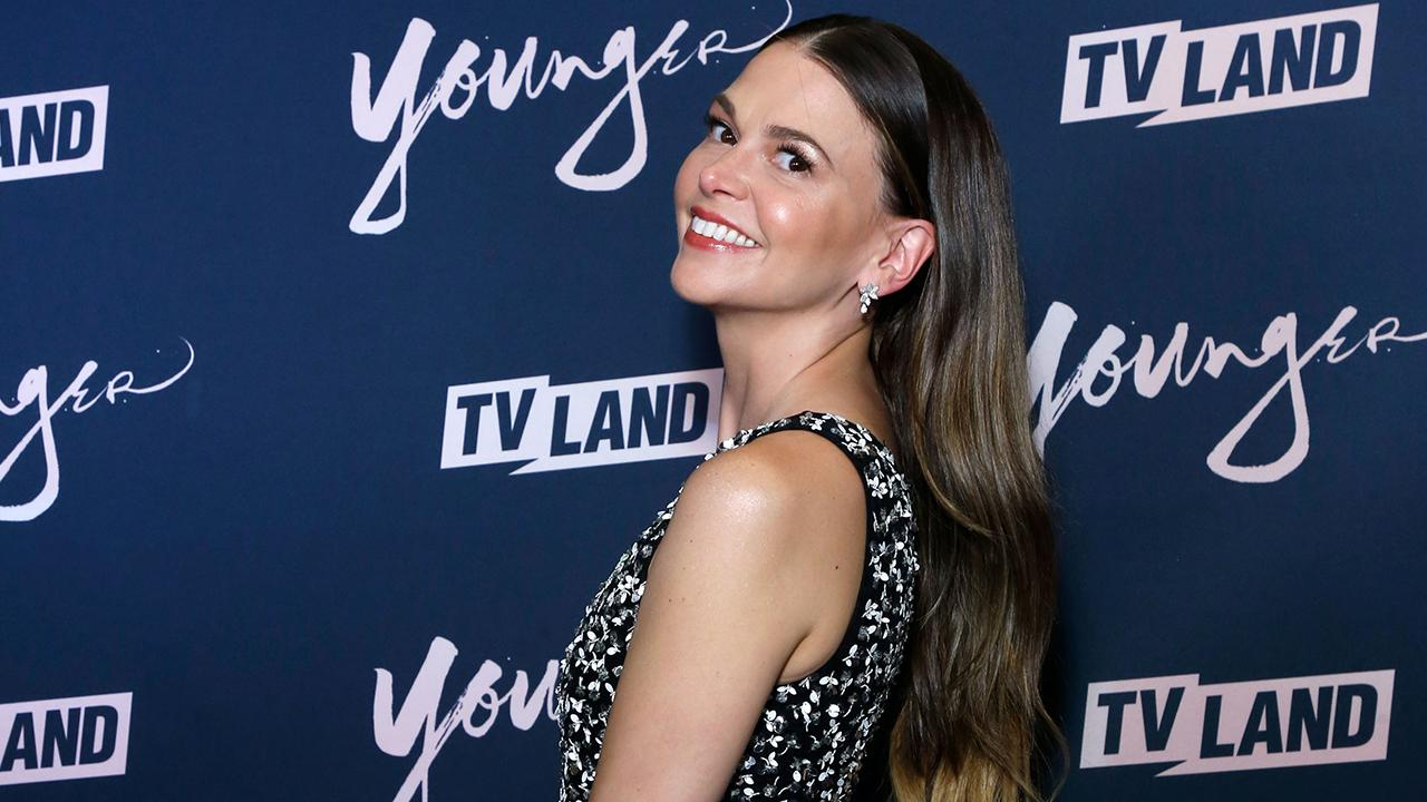Younger's Sutton Foster Is All About Comfort This Summer, Despite Playing the Fashionable Liza