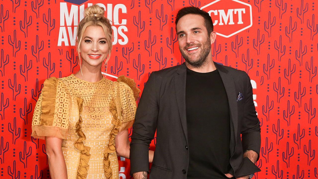 Country Singer Tyler Rich Says Fiancée Sabina Gadecki 'Ghosts' Wedding Planners