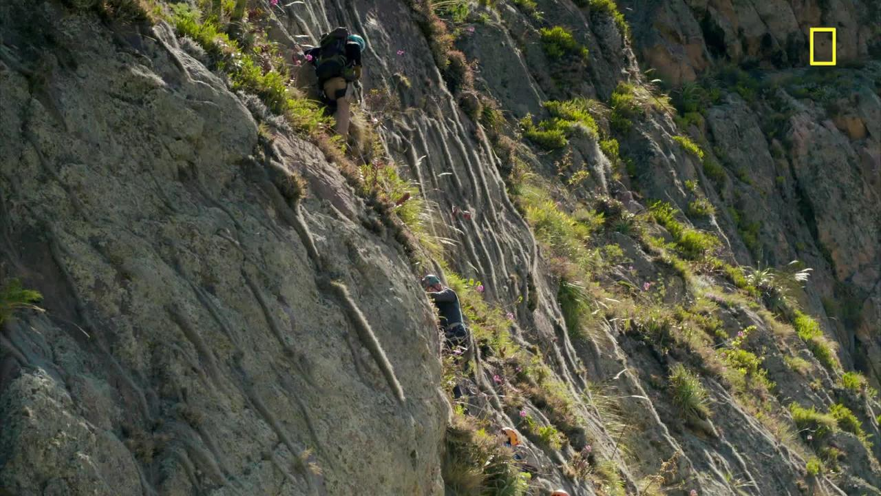 Watch Gordon Ramsay Scale a 1,300-Foot Cliff on His New Series Uncharted