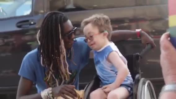 Young Thug Brings Sick 14-Year-Old Fan Onstage at Concert — See the Sweet Meet and Greet Photos