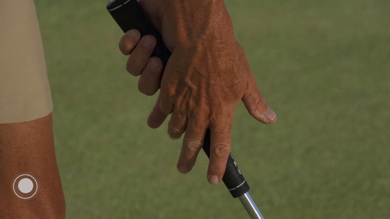 HOW TO GRIP YOUR PUTTER