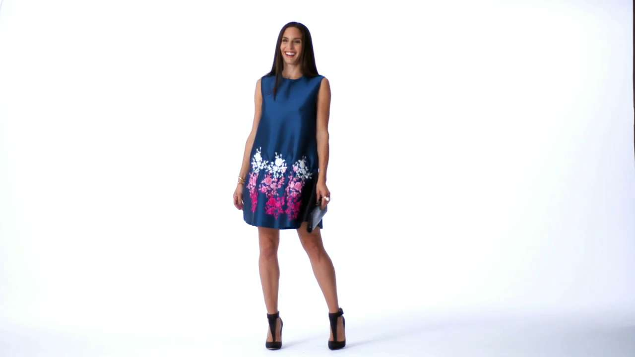 Real-Time Fashion: Dressing for the Holidays
