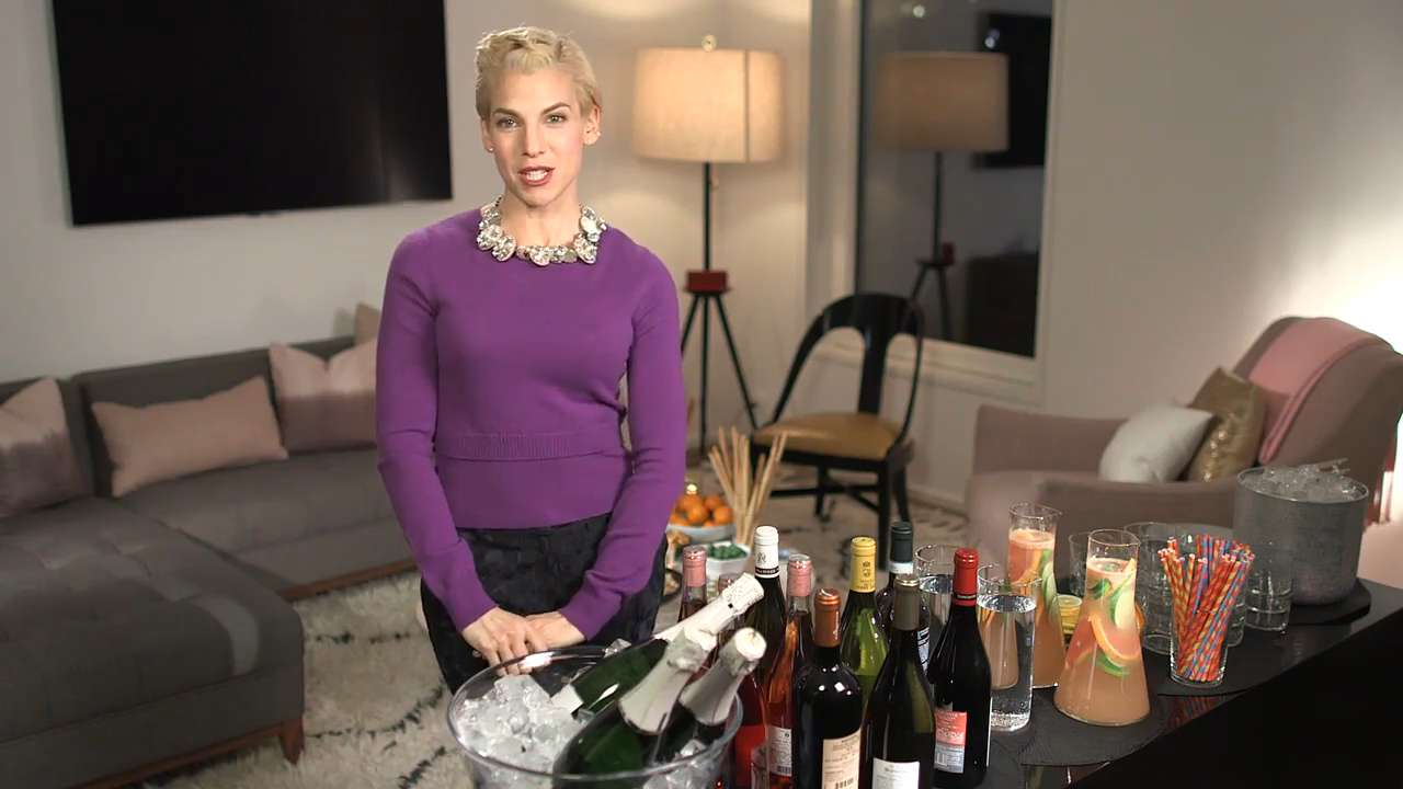 Master the Cocktail Party With Jessica Seinfeld's Tips