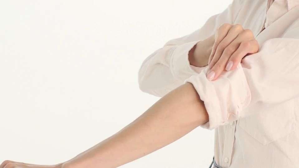VIDEO: How to Cuff a Men's Shirt