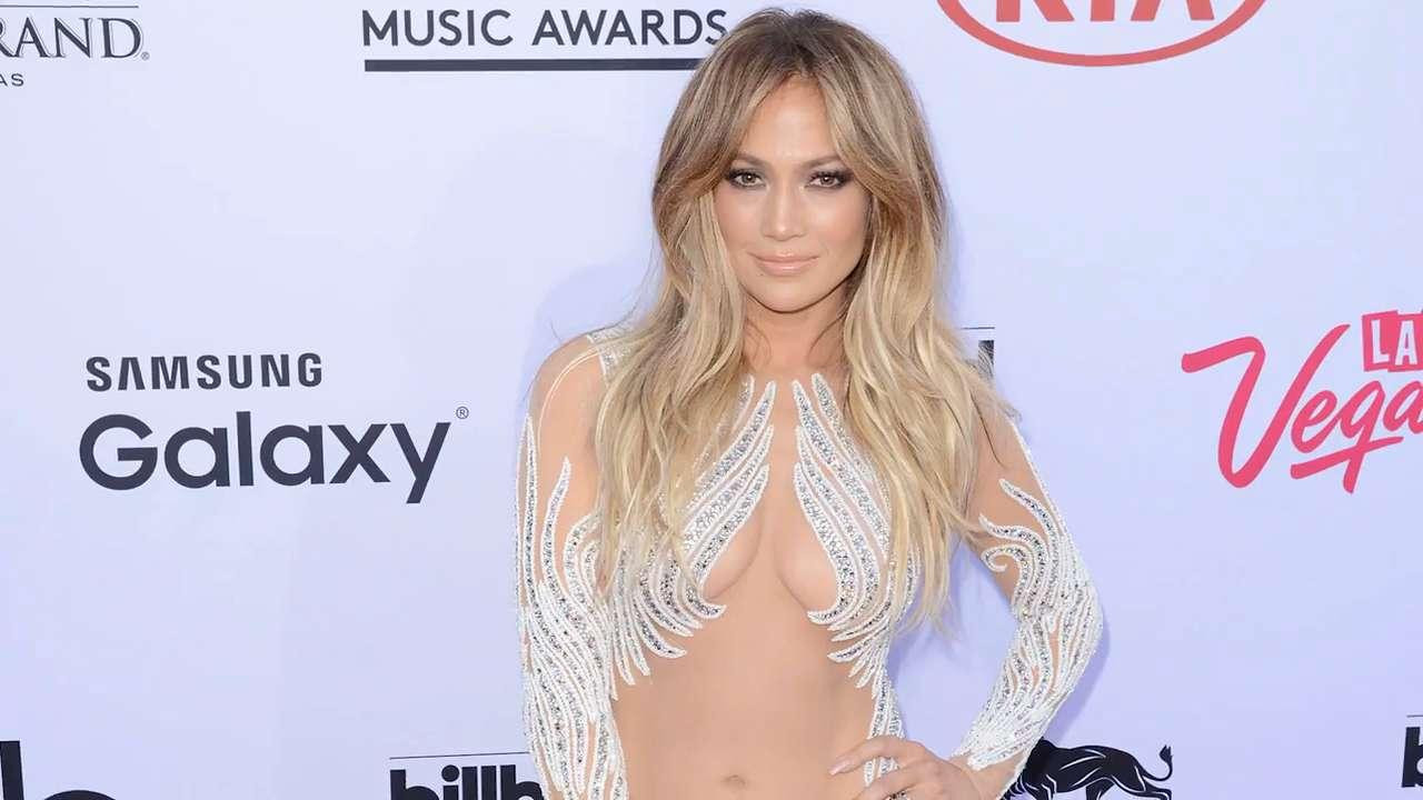 Jennifer Lopez Reveals Her Favorite Red Carpet Looks