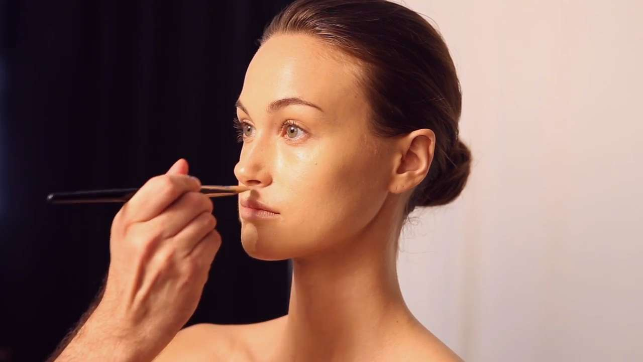 How To Contour Your Face In Five Easy Steps