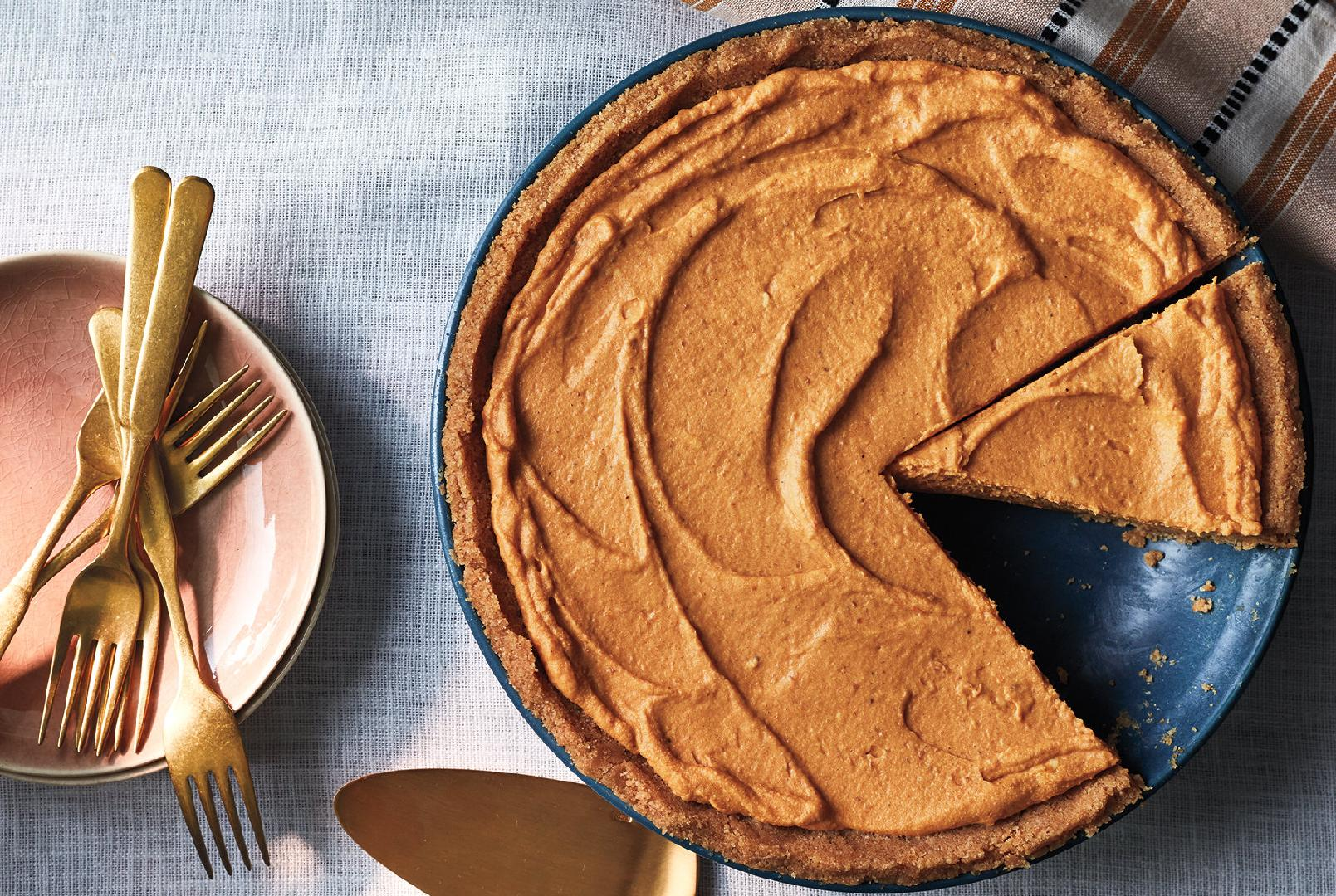 This No-Bake Pumpkin Pie Recipe Will Become Your Go-To Holiday Dessert