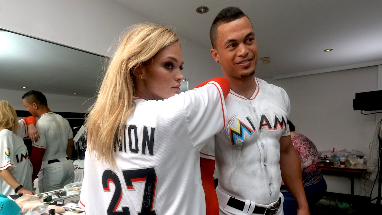 classic fit 61088 56ccc Behind the scenes: Giancarlo Stanton graces SI cover in body paint