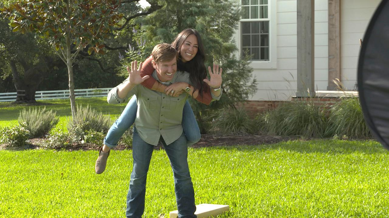 chip and joanna gaines reveal they were broke before. Black Bedroom Furniture Sets. Home Design Ideas