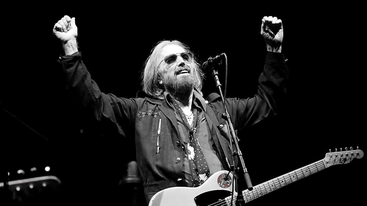 Tom petty dead singer previously revealed origins of free fallin tom petty dead singer previously revealed origins of free fallin ew hexwebz Images