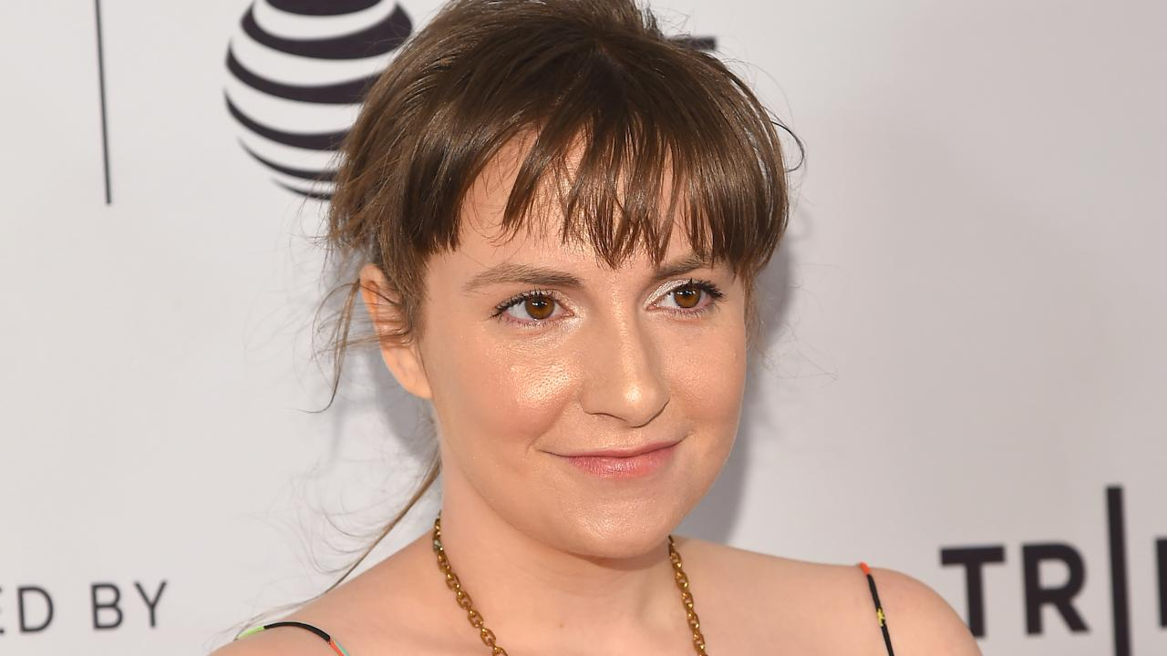 Lena Dunham Apologizes for Defending Girls Writer Accused of Rape ...