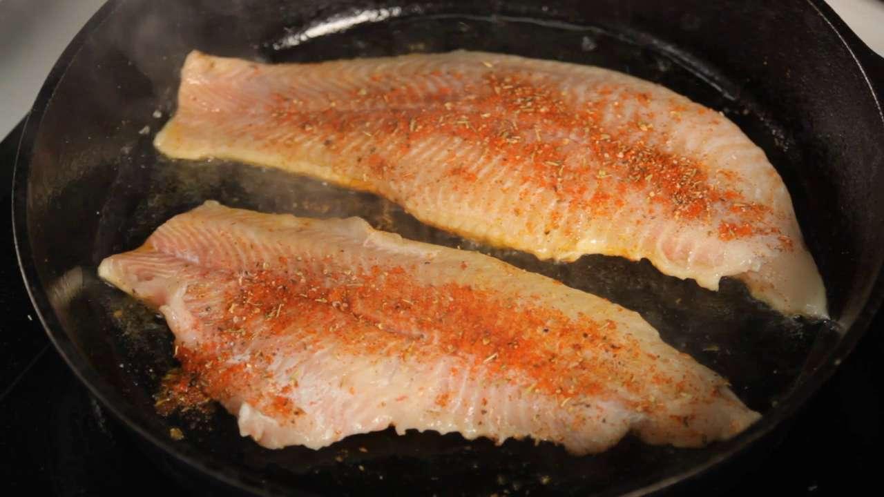 Lemon-Garlic Broiled Flounder with Spinach Recipe | MyRecipes