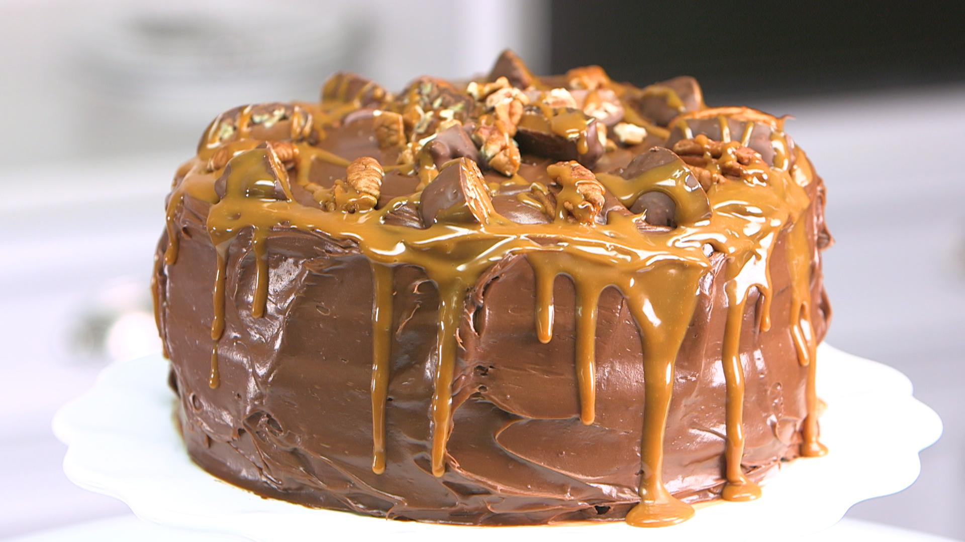 Easy Homemade Chocolate Turtle Cake: How To Make Chocolate Turtle Cake - Video