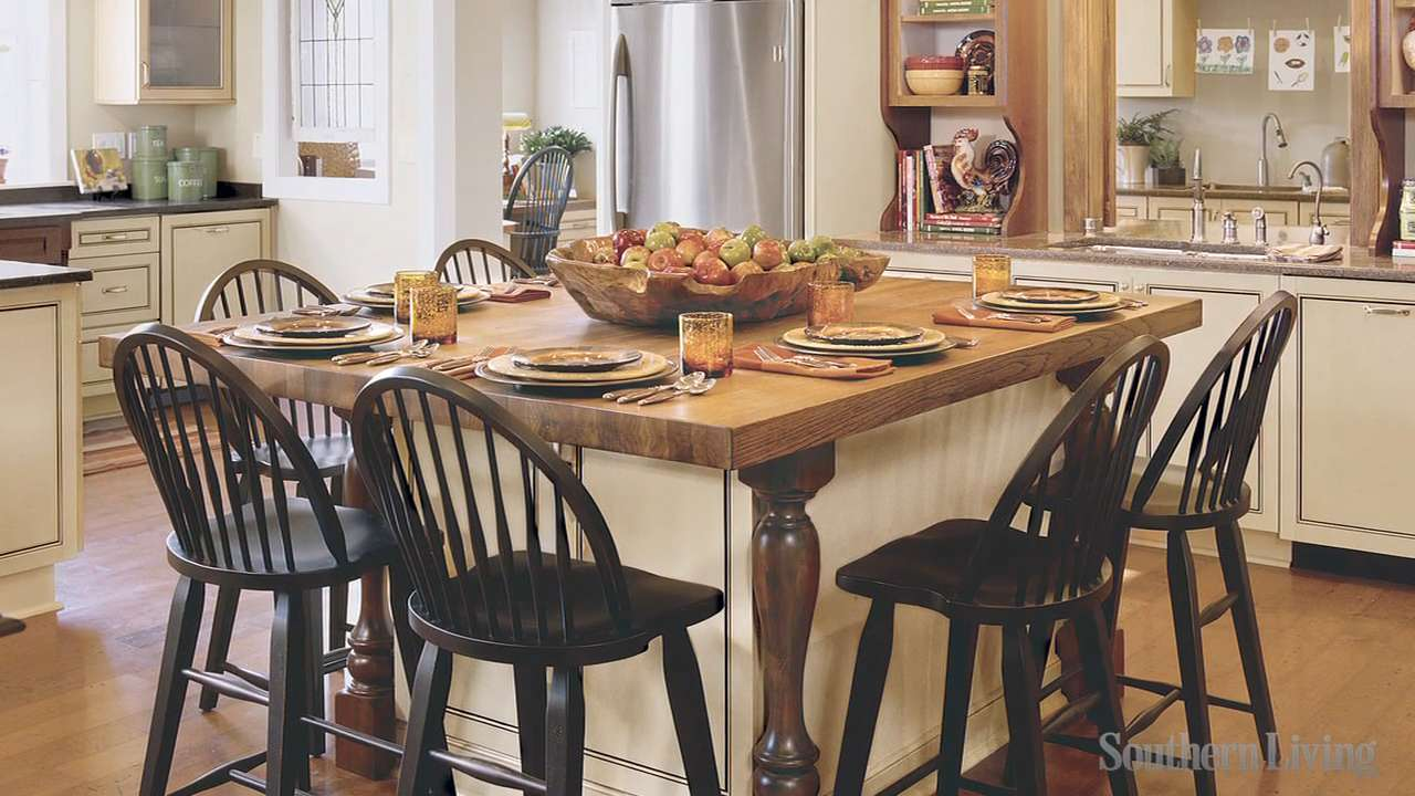 Kitchen islands southern living for Southern living kitchen designs