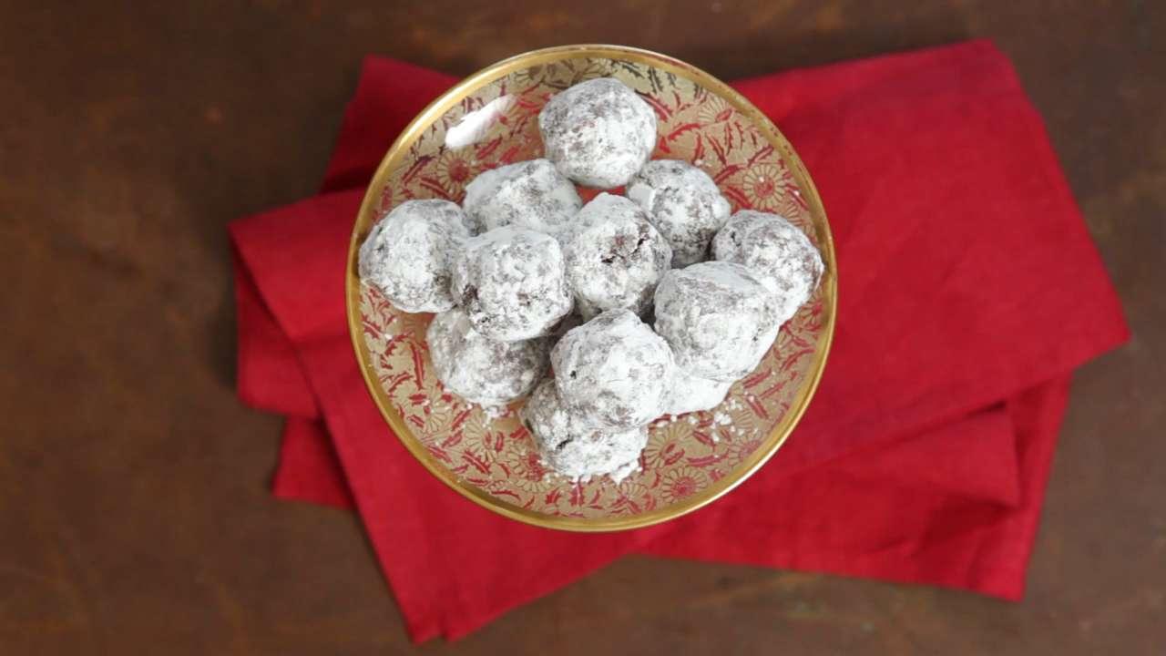Fudgy Pecan Bourbon Balls Recipe - Southern Living