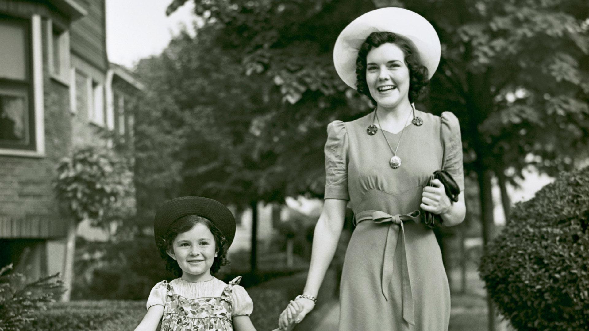 Why Former Miss Georgia And Mama Both Love Elizabeth Arden