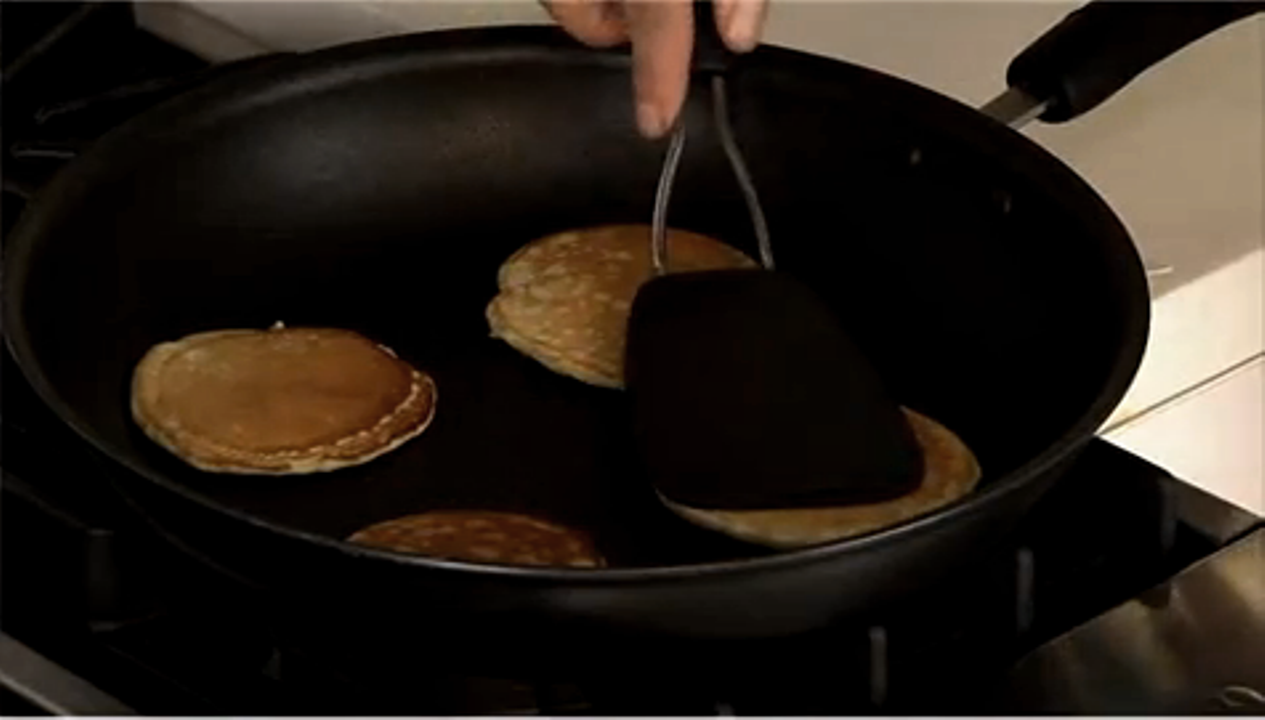 How to make pancakes properly video and steps ccuart Choice Image