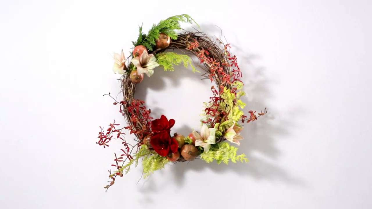 how to make a flower wreath for the holidays