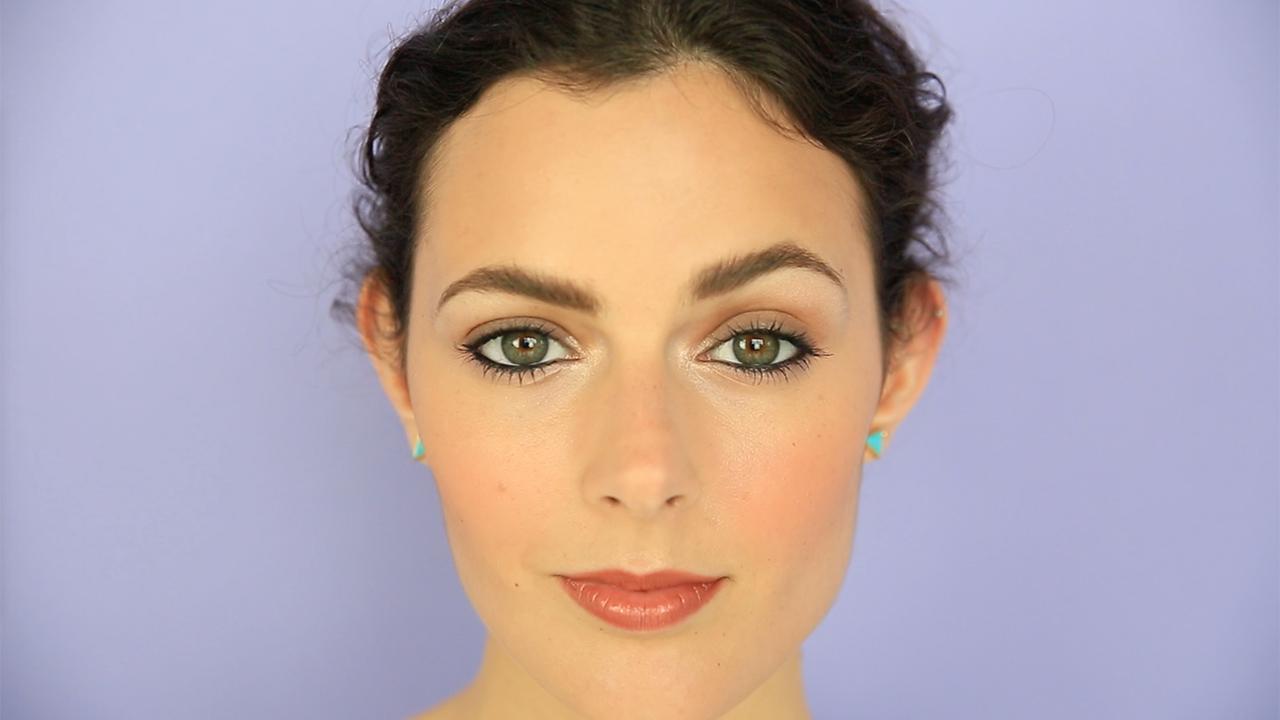 Круглые выпуклые глаза макияж